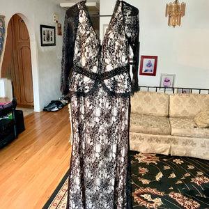 CINDERELLA DIVINE Black Lace Peplum GOWN Sz. 16